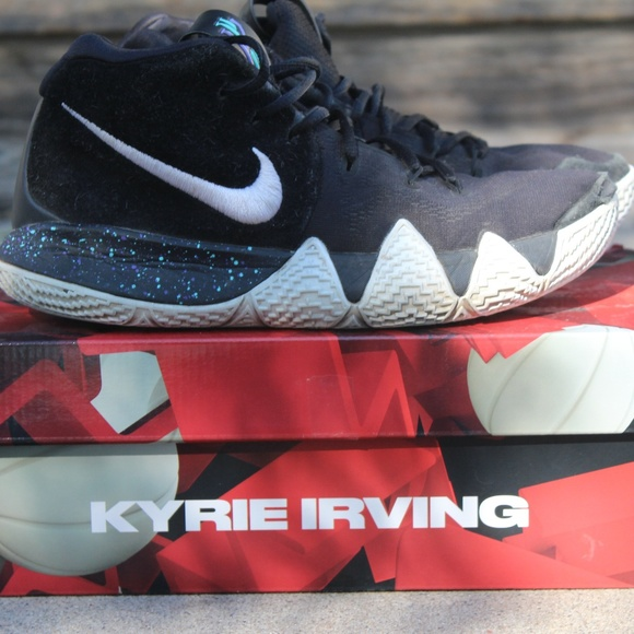 hot sale online b4344 8e8d4 Kyrie 4 Size 7.5 Mens Basketball Shoes / Sneakers